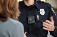 微软,亚马逊和IBM表示不再为美警方提供人脸识别技术